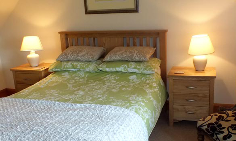 Braeside-Cottage-Staffin-Self-Catering-Accommodation-Skye