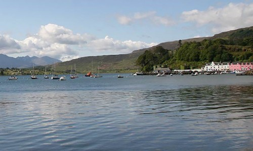 pink-guest-house-portree-harbour-bay-bed-breakfast-accommodation-skye